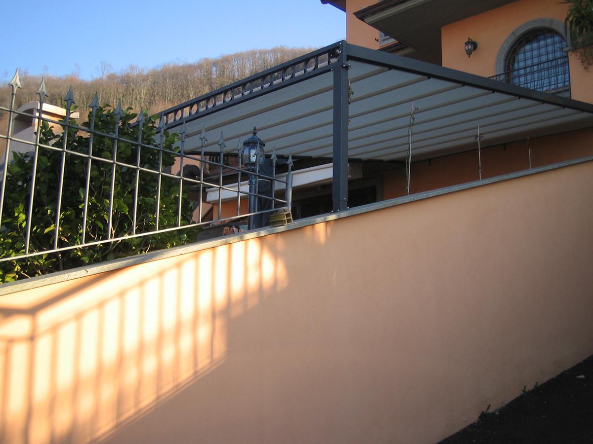 Good favorini tende pergola artigiana in ferro mobile with - Porticati esterni ferro ...
